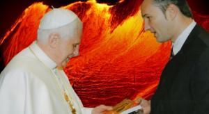 Papst Benedikt XVI. und Lars A. Fischinger - Angeblich ist der Papst der Satan in Person (Bild: Archiv L.A. Fischinger)