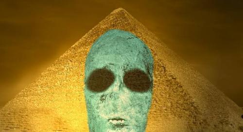 Seltsames Video zeigt angeblich die Bergung einer Alien-Mumie in Gizeh durch den KGB (Bild: L.A. Fischinger / gemeinfrei)