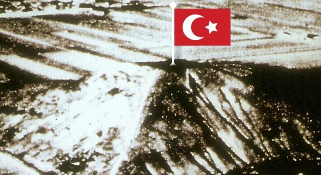 Die Weisse Pyramide in China - in Wahrheit einst von den Türken erbaut? (Bild Archiv L. A. Fischinger / US Air Force)
