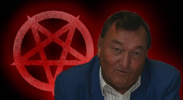 Der Autor Erich von Däniken soll von Satan manipuliert werden (Bild: S. Ampssler / L. A. Fischinger)