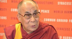 Der Dalai Lama (hier 2012) sieht auch in Außerirdischen Brüder (Bild: gemeinfrei)