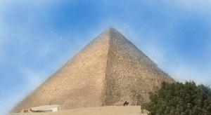 """Cheops-Pyramide: Aufregung in Ägypten um die illegale Entnahme von Proben in der Pyramide durch """"alternative Geschichtsforscher""""n (Bild: L. A. Fischinger)"""