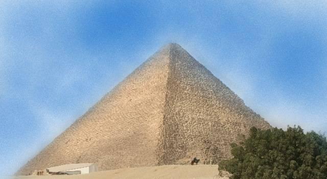 Die Cheops-Pyramide sorgt weiter für Schlagzeilen (Bild: L. A. Fischinger)