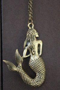 Kette mit Meerjungfrau-Anhänger: Fabelwesen, Mondgöttin und unschuldiges Symbol der Liebe - im Mystery-Shop von Fischinger-Online