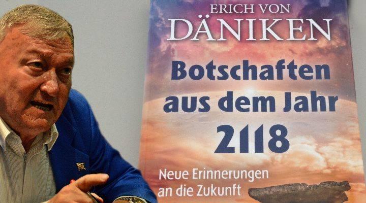 """Rezension: Erich von Däniken: """"Botschaften aus dem Jahr 2118"""" - von Alexander Knörr (Bild: D. Herper / A. Knörr)"""