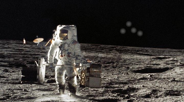 """Mond-Astronaut Alan L. Bean (""""Apollo 12"""", 1969) ist sicher: Außerirdische haben uns niemals besucht (Bild: NASA/gemeinfrei / Bearbeitung: L. A. Fischinger)"""