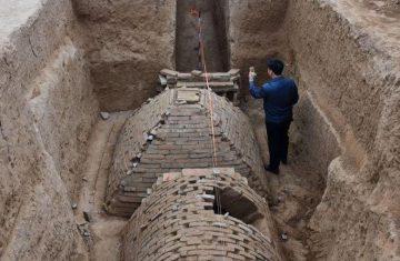 """Die """"schockierende Entdeckung"""" aus China: Mehr als nur mini (Bild: YouTube-Screenshot / Varbage)"""