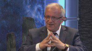 Dr. Artur Lipinski im Interview (Bild: YouTube-Screenshot / Alternativ.TV)