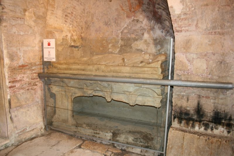 Grab des echten Nikolaus - des Bischof von Myra in der Türkei (Bild: Fischinger-Online)