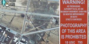 """Auf Jobsuche? Die Airline der """"UFO-Basis Area 51"""" sucht Flugbegleiter (Bild: gemeinfrei / Montage: Fischinger-Online)"""