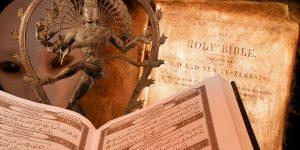 Müssen alle Religionsbücher umgeschrieben werden - wenn wir Aliens finden? Bilder: gemeinfrei / Montage: Fischinger-Online)