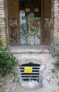 Die Eingangstür vom Haus Fühlingen im Sommer 2018 (Bild: Fischinger-Online)