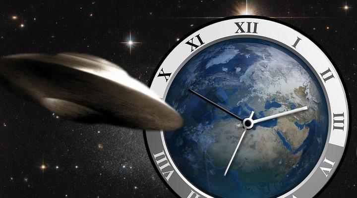 UFOs: Zeitmaschinen aus der Zukunft? Warum die Zeitreisetheorie immer wahrscheinlicher wird! Artikel von Ernst Mecklenburg (Bilder: gemeinfrei / Montage: Fischinger-Online)