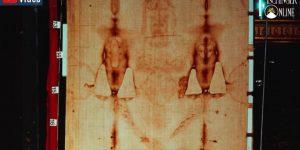Das Turiner Grabtuch: Wissenschaftliches Bild-Archiv des Leichentuch Jesus online gestellt! (Bild: ShroudPhotos.com)