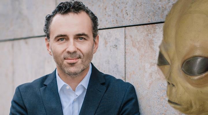 Thomas Jarzombek von der CDU: DAS ist unser Mann in Deutschland - wenn Außerirdische Kontakt aufnehmen (Bilder: T. Koch / LAF / Montage: Fischinger-Online)
