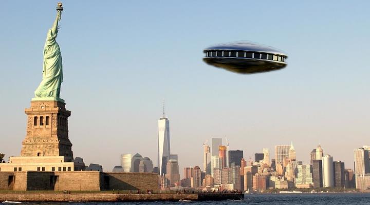 UFO-Sichtungen in New York stark gestiegen (Bilder: gemeinfrei / Montage: Fischinger-Online)