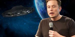 Elon Musk rudert zurück: Erst bauten Aliens die Pyramiden - jetzt gibt es keine Außerirdischen (Bilder: gemeinfrei & WikiCommons/St. Jurvetson/CC BY2.0 / Montage: Fischinger-Online)