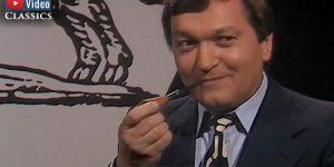 """VIDEO: Grenzwissenschaft Classics, Folge 52: Erich von Däniken als """"Astrologiegast"""" im TV-Interview 1977 (Bild: Screenshot YouTube)"""