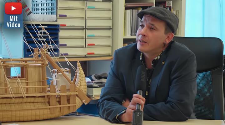"""VIDEO: Exklusive Einblicke in das """"Zentrum für Prä-Astronautik"""": Interview von Dominique Görlitz mit Ramon Zürcher - Sekretär und rechte Hand von Erich von Däniken (Bild: YouTube-Screenshot /NuoViso.tv)"""